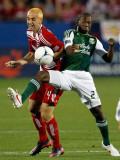 Diego Chara Andrew Jacobson 4 del FC Dallas colisi...