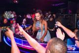 Cuppy toma el disc jockey del viaje de África DJ C...