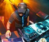 DJ EZ ha publicado un nuevo minimix en línea antes...