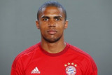 De Bayern Munich s Firma de verano Douglas Costa