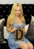 Dove Cameron Backstage Creations retiro para Teen...