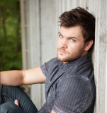 Dylan Scott lanza Thinking Out Loud solo y video