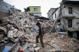El terremoto devasta a Nepal matando a más de 1 90...