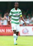Efe Ambrose Efe Ambrose de Celtic mira durante un...