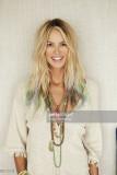 Modelo Elle Macpherson es fotografiada en casa par...