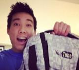 YouTube envió a Evan Fong toronto esta bolsa de Yo...