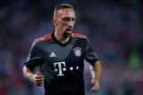El delantero del Bayern Munich Franck Ribery sufre...