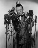 23 1932 Fred llegó a la radio Durante su carrera e...