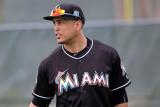 Los Marlins de Miami Giancarlo Stanton Lands on