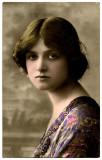 Postal de la actriz Glamour Girl Gladys Cooper