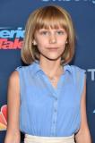 Grace Vanderwaal s nuevo peinado rizado para Améri...