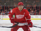 El delantero de Detroit Red Wings, Gustav Nyquist,...