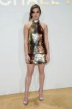 Hailee Steinfeld Vestido De Perlas Moda