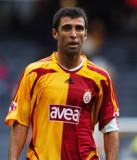 Hakan Sukur es un jugador de fútbol de
