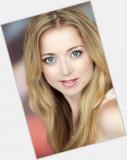 Sitio Oficial de Hannah Endicott Douglas para Woma...