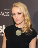 HANNAH NUEVO en Black Sails Premiere en Hollywood