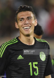 Héctor Moreno de México sonríe durante un amistoso...
