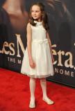 Isabelle Allen Isabelle Allen asiste a los Les Mis...