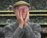 Jack Charlton se sintió muy emocionado al recibir...