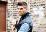 El modelo elegido James Doherty fotografiado por