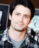 James Lafferty Un árbol