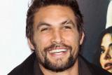 La estrella de Aquaman Jason Momoa es brillante en...