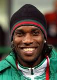 JayJay Okocha interesado en jugar en el fútbol ind...