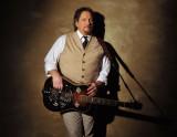 PineCone Carolina Theatre presenta Jerry Douglas B...