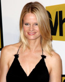 Joelle Carter Foto 2 The 2011 Critics Choice Telev...