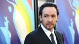El actor John Cusack presenta su casa en Malibu Be...