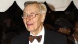 John Neville un veterano actor canadiense y direct...