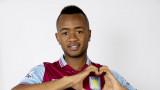 Aston Villa firma a Jordan Ayew del club francés L...