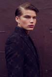 Jordan Barrett de Pat Supsiri para Male