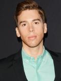 Jordan Gavaris Actor