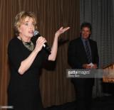 La personalidad de la radio Rick Dees y Julie McWh...