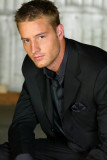 Justin Hartley Oliver Reina Verde Arrow Smallville