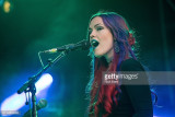 La vocalista de músicos Kaela Sinclair de M83 inte...