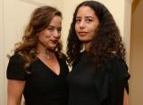 Karis Jagger a la derecha con su media hermana Jad...