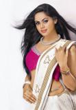 Karthika nair caliente ombligo Sur de India