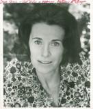 Busto foto de Katherine MacGregor en una blusa de...