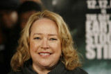 Kathy Bates sobreviviente del cáncer se sometió a...