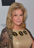Kathy Hilton Twitter Kim Richards Hermana Disses 2...