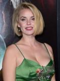 KELLI GARNER en el estreno de Krampus en Hollywood...
