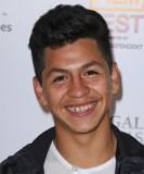 Kevin Hernandez Corto Recto Casual Peinado