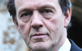 Kevin Whately no me gusta el detective