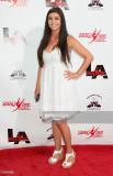Kira Girard asiste a las mamás de la danza Abby Le...