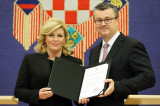 El presidente croata Kolinda GrabarKItarovic parti...