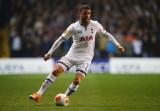 Tottenham Hotspur defensor Kyle Walker viene a tra...