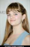Laine MacNeil en el 32º Premio anual Young Artist...