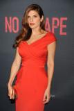 LAKE BELL en No Escape Premiere en Los Angeles